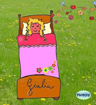 Va letto Giulia è stanca, ormai finita è la giornata Un pomeriggio intenso che l'ha proprio emozionata E sogna i verdi prati dove correre e giocare Mentre un auto in strada ricomincia a strombazzare