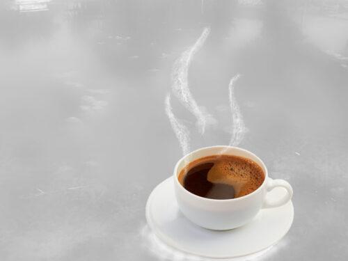 La tazzina di caffè – Poesia di Lucia Triolo