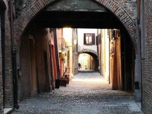 Via delle Volte a Ferrara di Teresa Breviglieri
